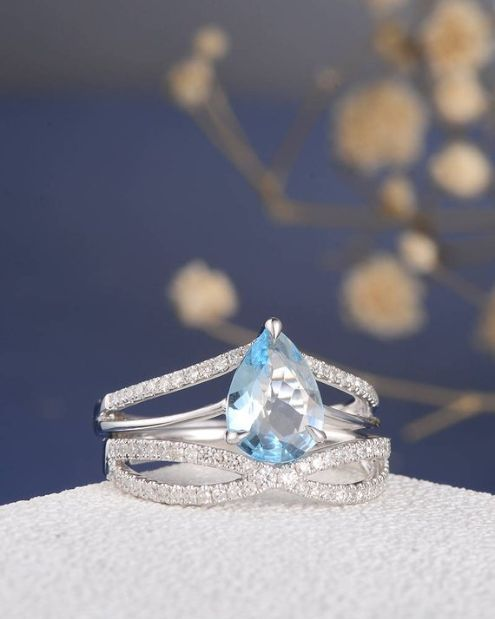 Aquamarine solitaire engagement ring made from 950 Platinum, diamond ring, aquamarine engagement, blue, unique, platinum ring, custom