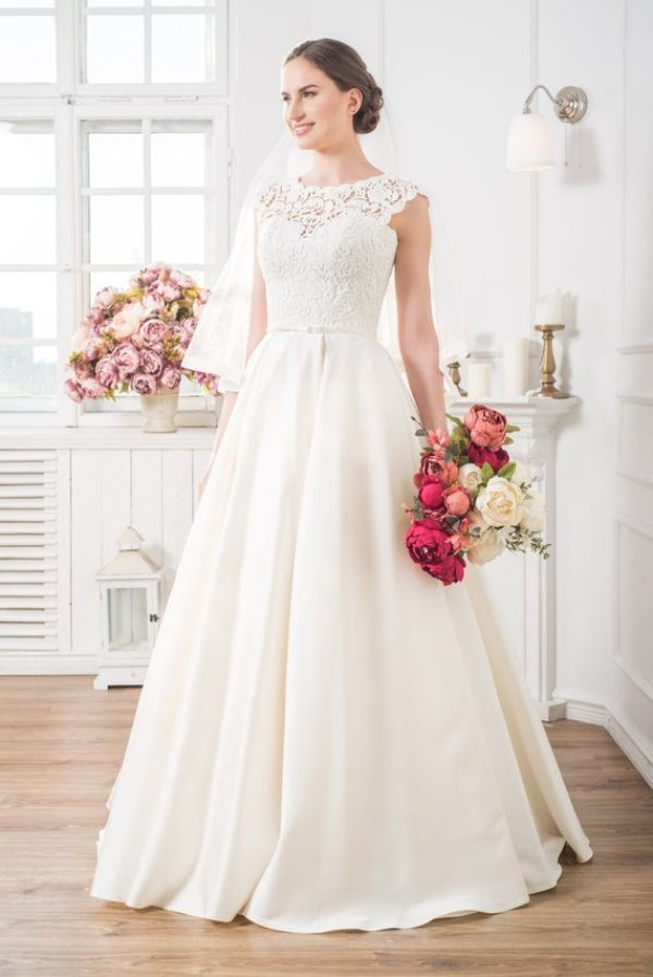 31 Unique Plus Size Wedding Dresses 2018 Ring To Perfection Blog