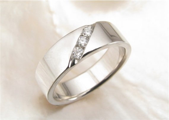 Men's Wedding Band with Diamonds in Palladium