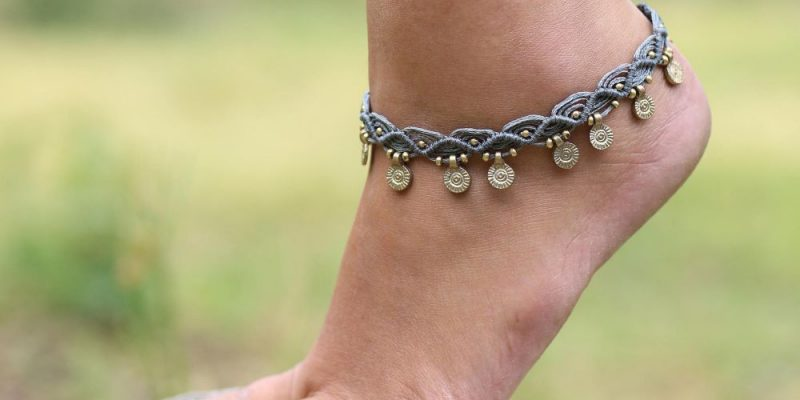 Anklets: Everything You Need To Know About Ankle Bracelets