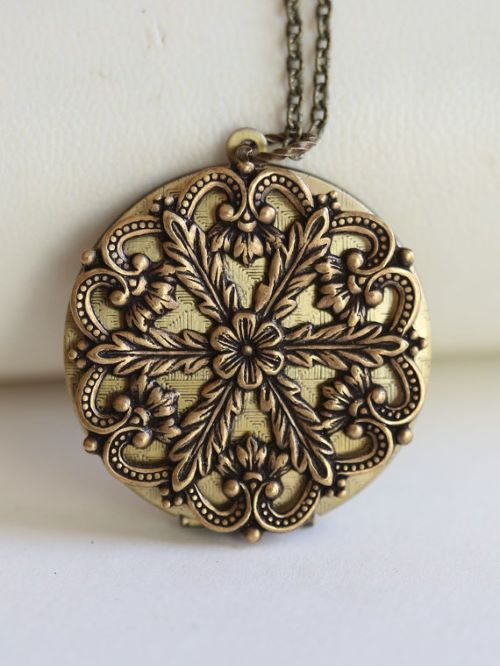 Antique Locket Necklace Vintage