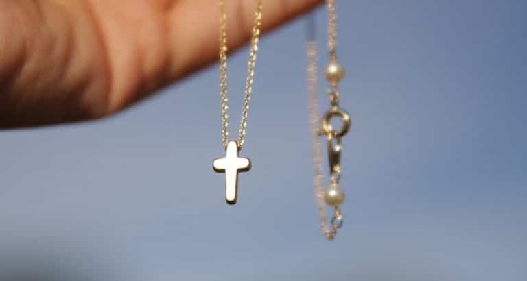 Best Cross Necklaces Women Men