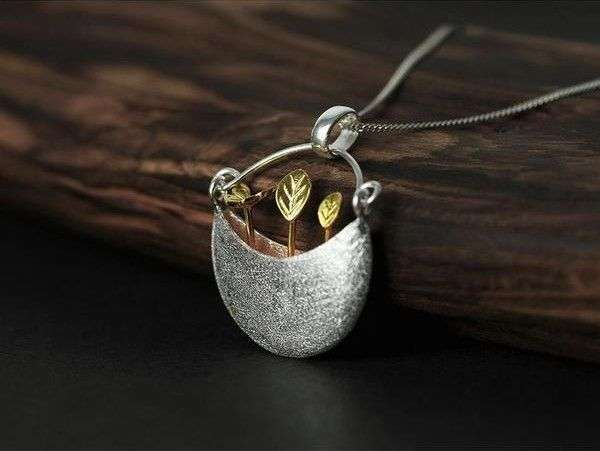 Clean Silver Necklace