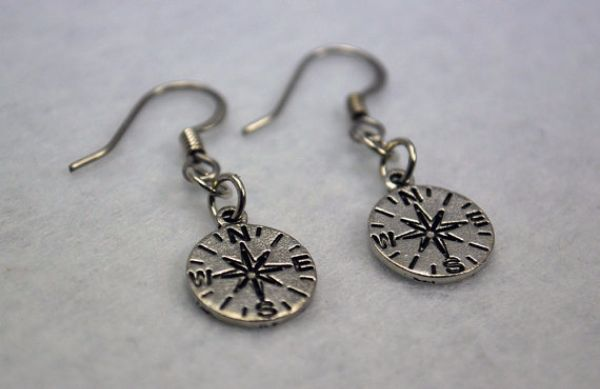 Compass Jewelry fo Wanderlusters