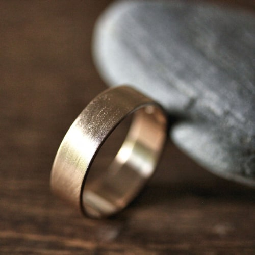 Beautiful and unique mens wedding bands