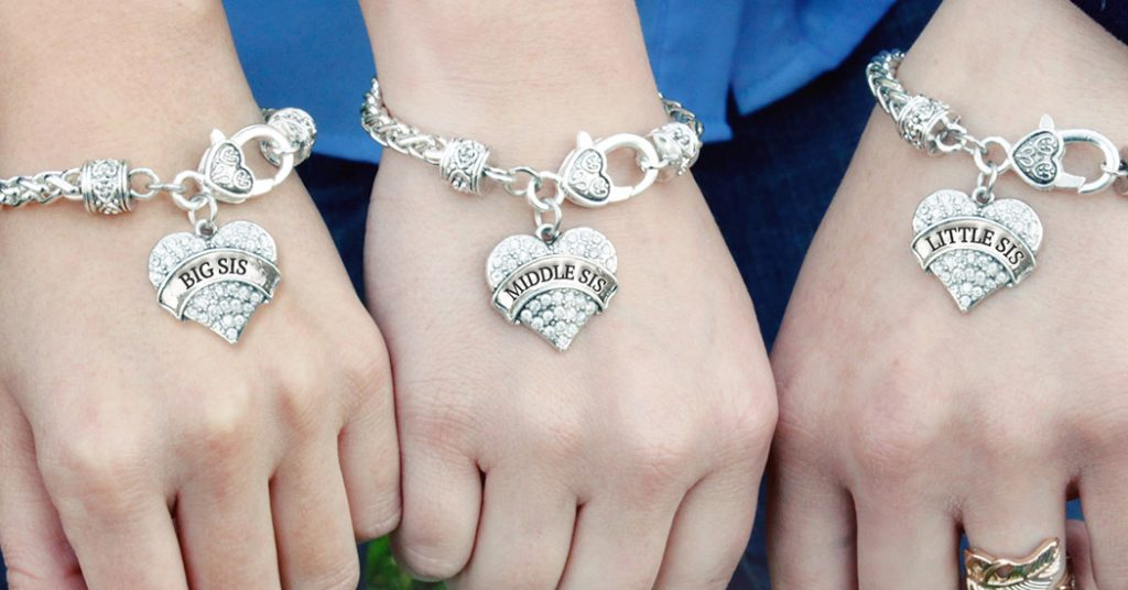 17+ Cute Matching Sister Bracelets Sets