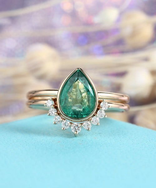 Emerald Rings Designs