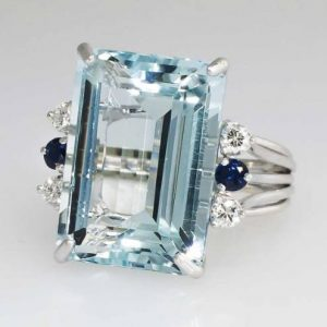 emerald shape aquamarine ring