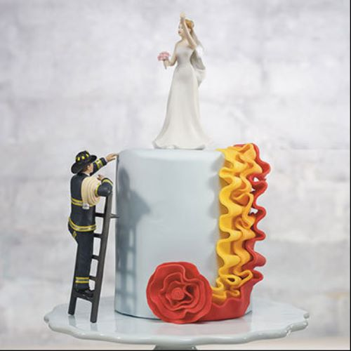 37 funny and unique wedding cake toppers ring to perfection funny wedding cake toppers junglespirit Image collections