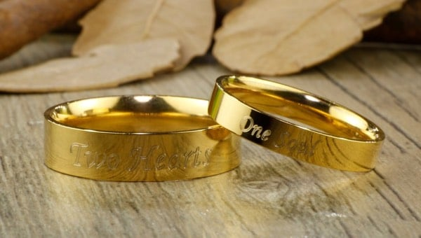 Gold Engraved Couples Rings