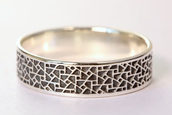 Charmant Hammered Unique Mens Wedding Bands