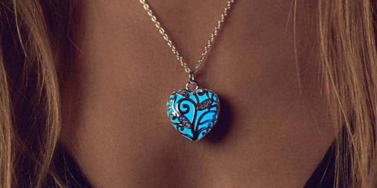 Heart Glowing Necklaces for Women