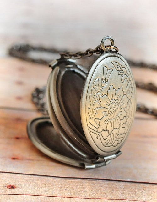 Locket Necklace Peoples