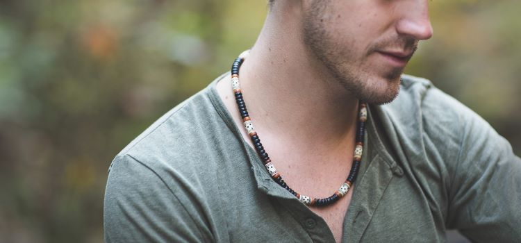 17 Necklaces for Men that make a Statement