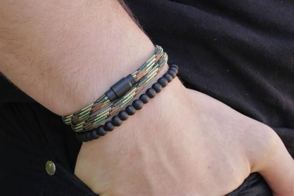 Paracord Bracelet Knots