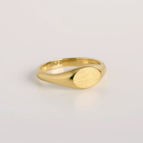 Pictures Of Wedding Rings On Hands