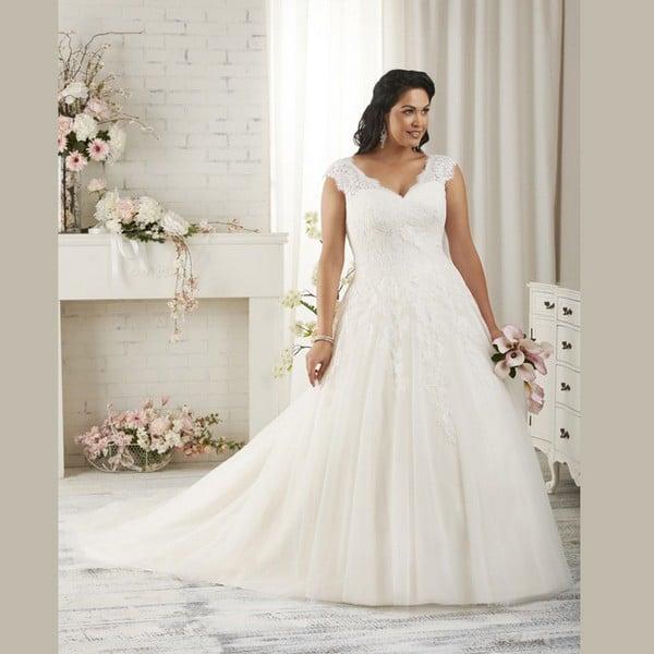31 Unique Plus Size Wedding Dresses [2018] - Ring to Perfection