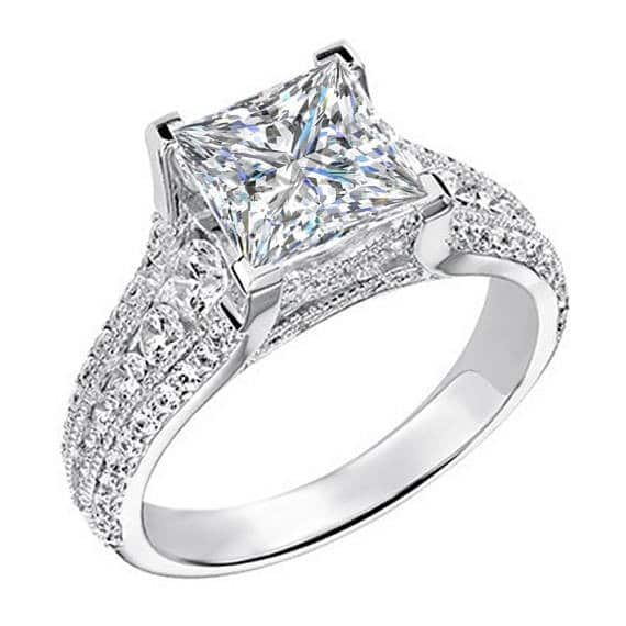 Princess Cut Engagement Ring With Diamond