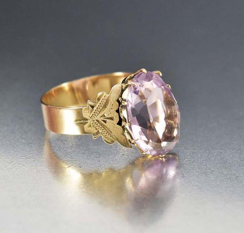 Vintage Gold Engagement Rings Uk
